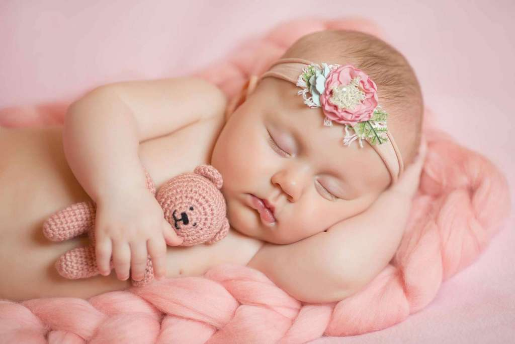 So, here is our list of Top 10 newborn photographers in Dublin 15.