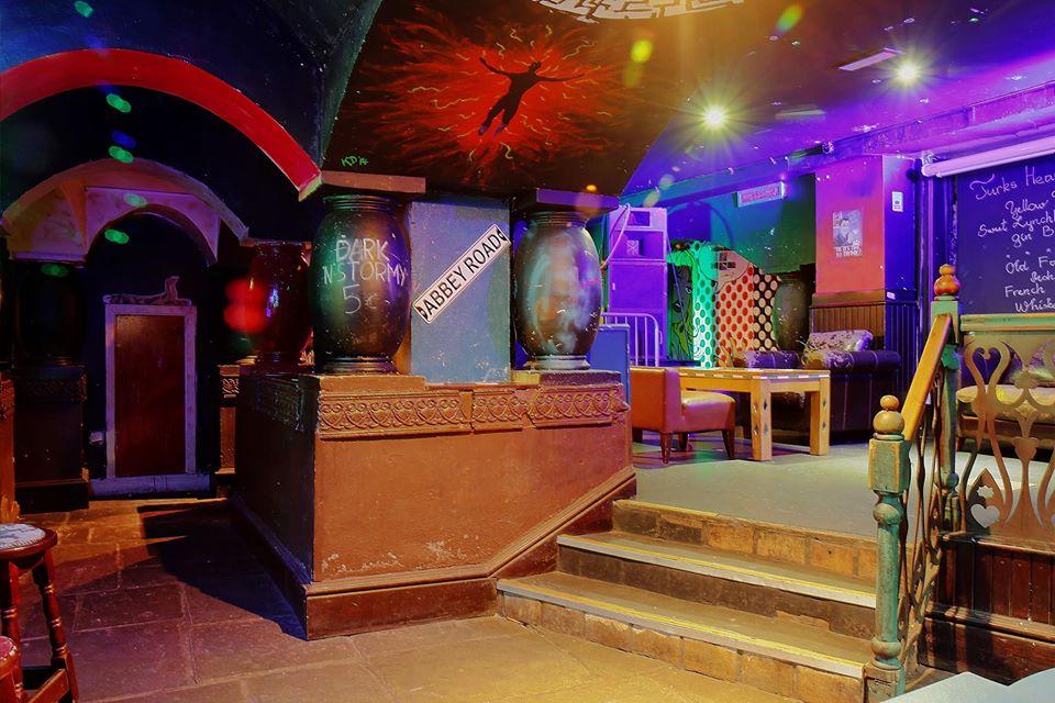 Turk's Head is a popular Dublin nightclub